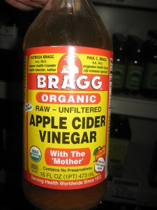 applecidervinegar 225x300 Apple Cider Vinegar May Lower Blood Sugar, Help Type 2 Diabetes, Reduce Ab Fat